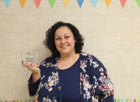 Sippel ES teacher named KENS 5 EXCEL Teacher of the Year